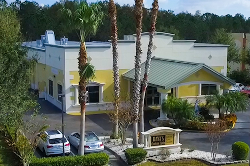 Daya's Custom Auto collision repair facility in South Orlando